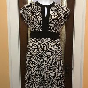Poly blend keyhole front dress